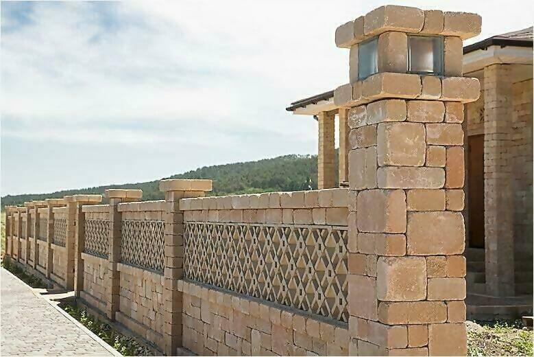 забор из камня фото6