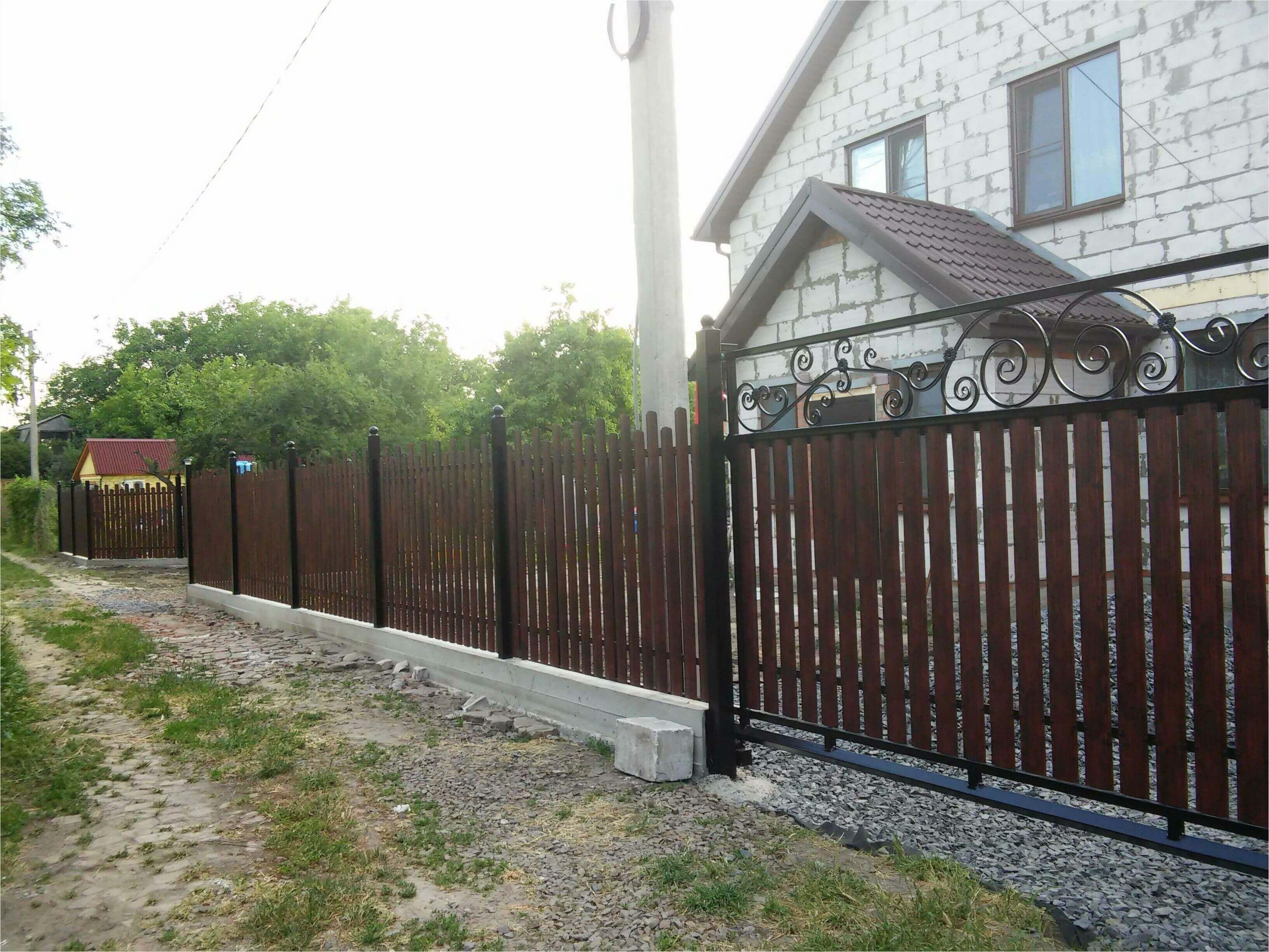 Забор из штакетника 90м фото1