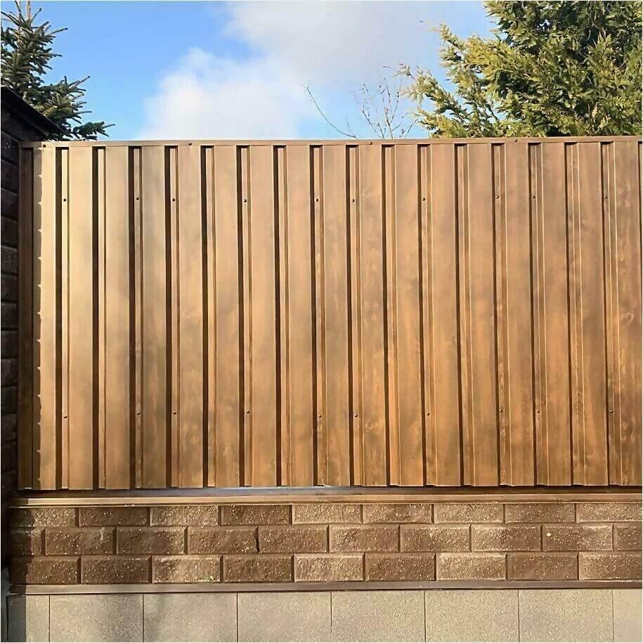 Забор из профлиста НС-21 цвет Printech темное дерево фото3