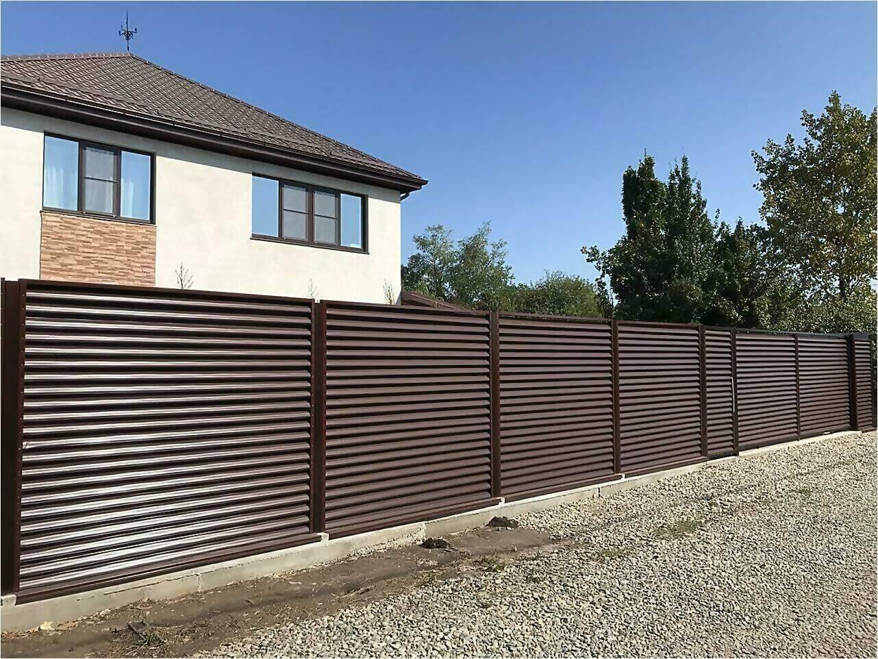 забор-жалюзи RAL8017 фото6
