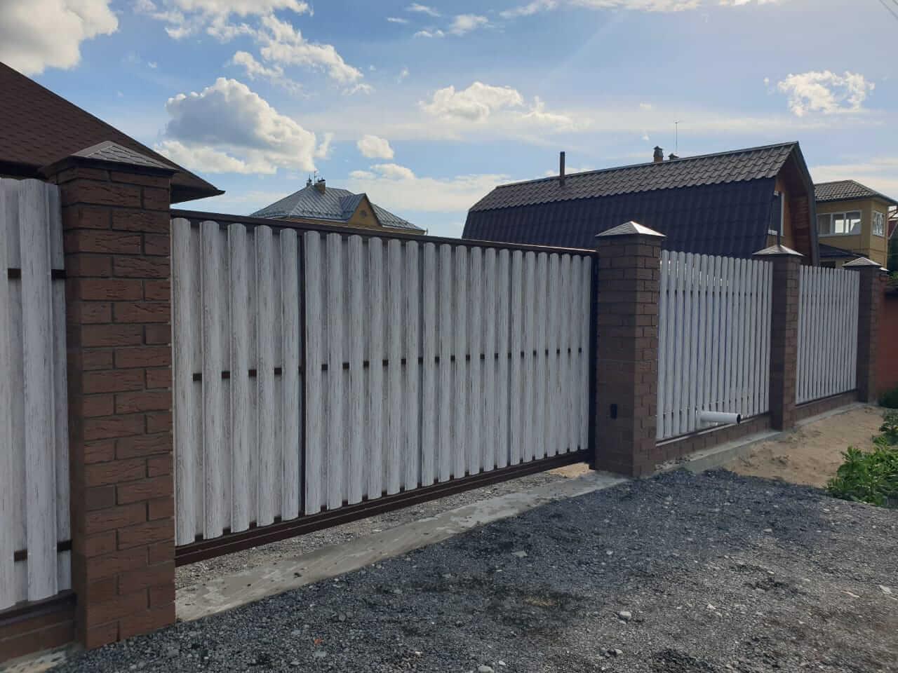 забор из штакетника Белёный Дуб фото8