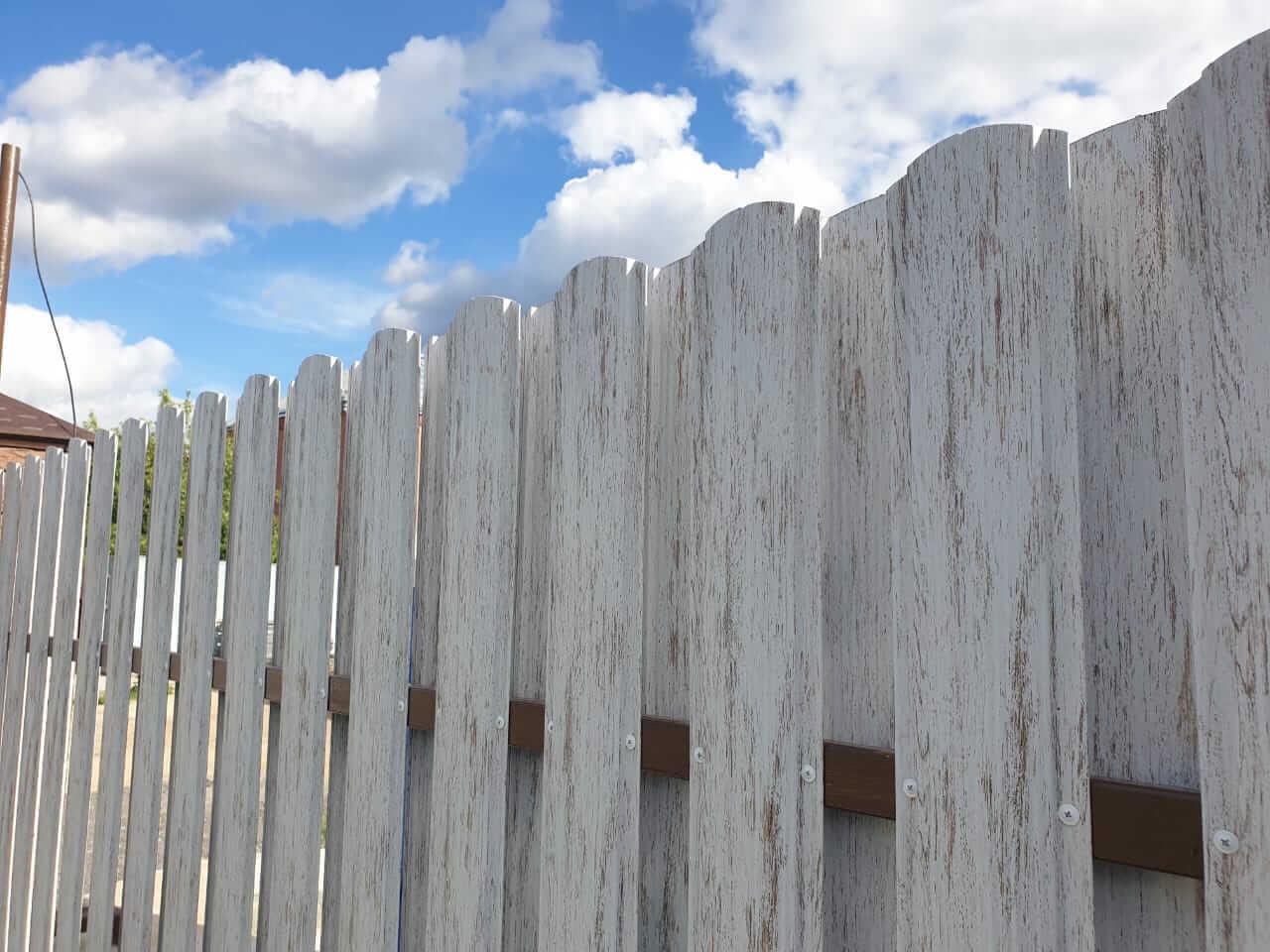 забор из штакетника Белёный Дуб фото5