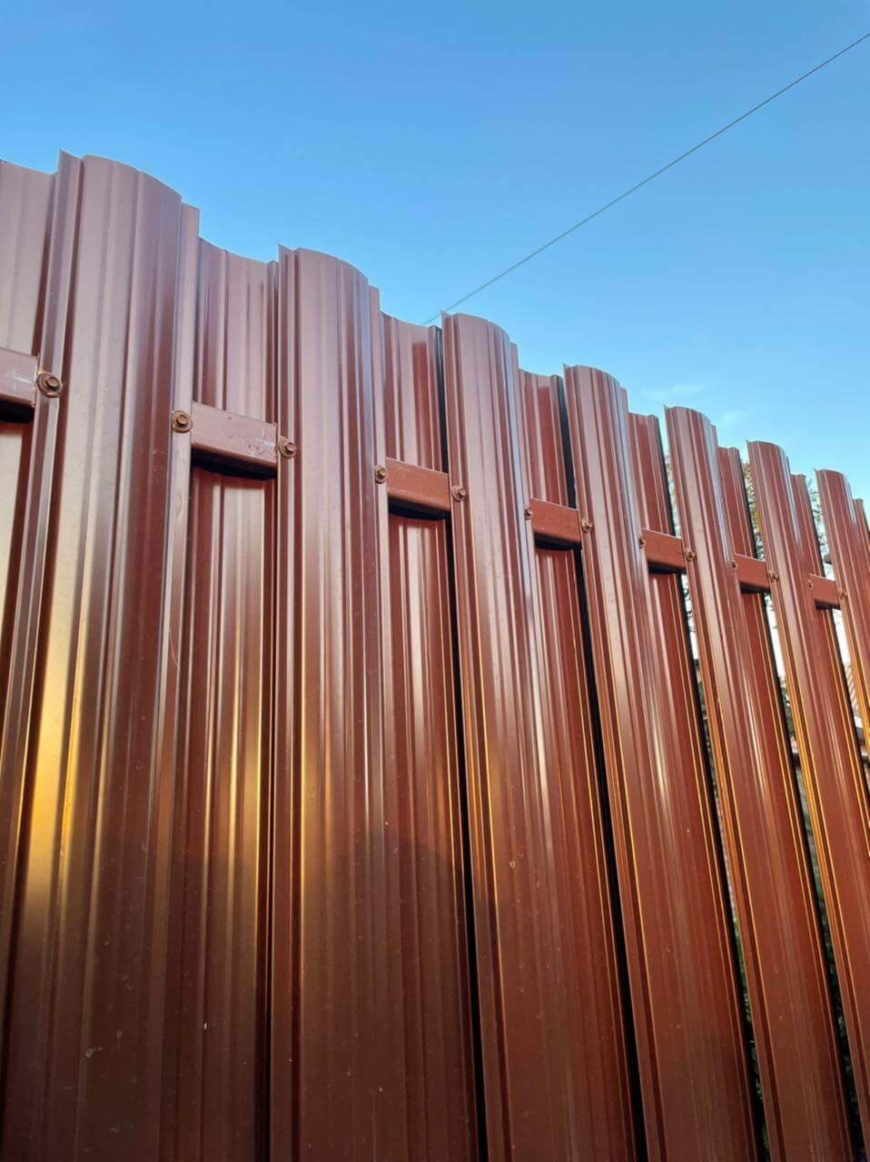 забор из штакетника шоколад двухсторонний фото2